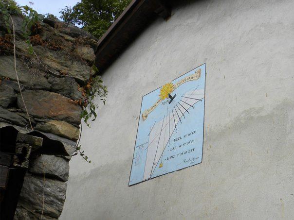 La borgata di Tagliaretto è famosa per le sue belle meridiane