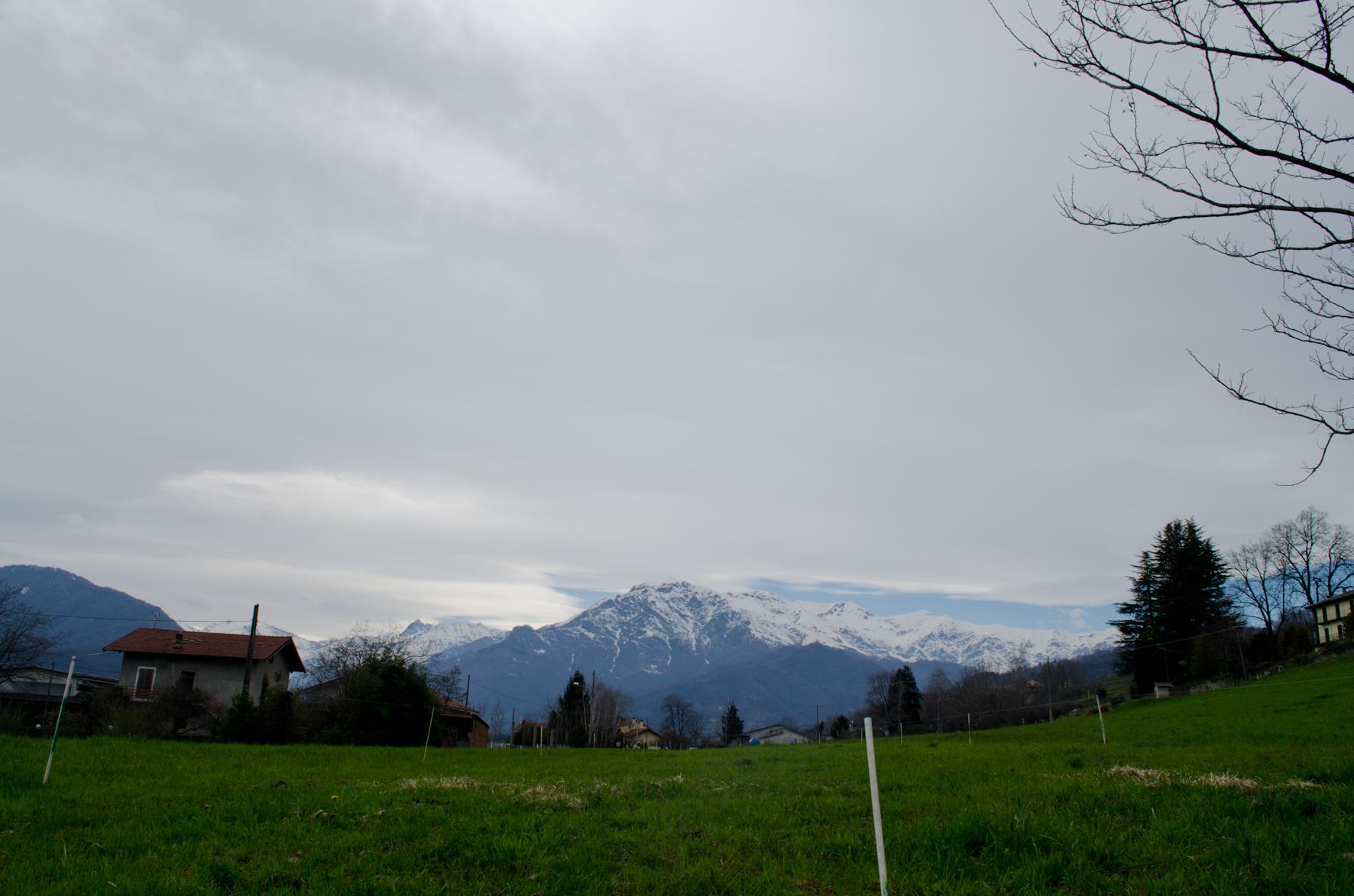 Il monte Vandalino, alto 2140 metri (qui visto dalla Coustera di Luserna San Giovanni).