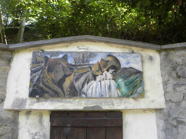 La fontana si trova vicino ad una borgata con lo stesso nome: la Borgata dell'Orsa
