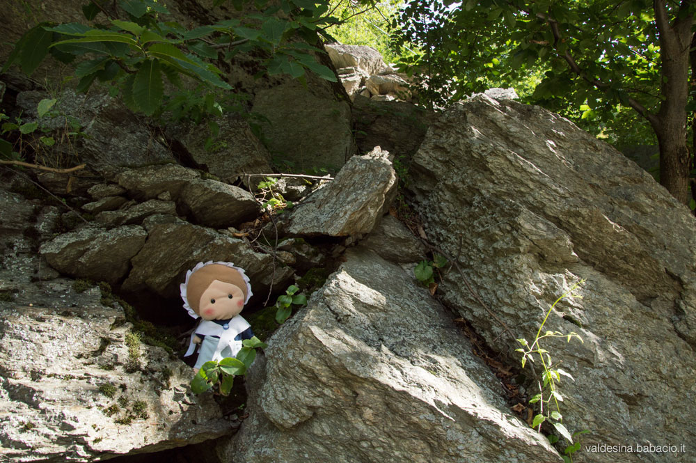 Here I am between the rocks in the woods of Berna, when the Sarvagge lived.